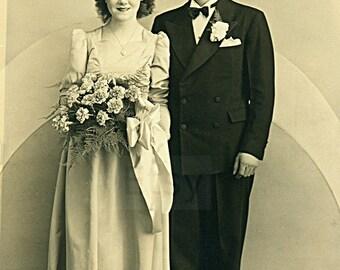 Instant Download Estimated 1920s vintage photo picture of wedding bridal party Printable Vintage art print