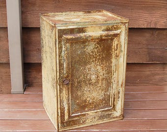 Antique Pie Safe, Vintage Bread and Cake Keeper, Tin Pie Safe, Antique Pie Keeper