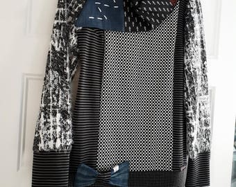 Eclectic black and white tunic decorated with a cute bow Lady Lou