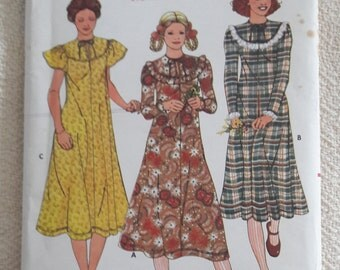 Uncut Betsey Johnson Butterick 6178  Size 12 Vintage Sewing Pattern 34 Bust 1970s