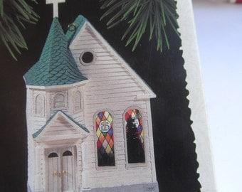 Hallmark Christmas Ornament- Town Church - Nostalgic Houses and shops - Christmas tree decoration - display