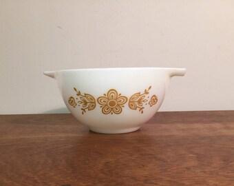 Pyrex Butterfly Gold Cinderella Bowl #441, 1.5 pt
