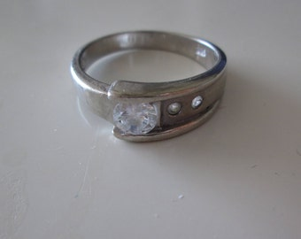 925 Sterling silver vintage CZ Band ring, size 9