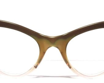 Vintage eyewear. Cat eye style. Made in USA Bausch&Lomb 1950's. Unique dark forest green. Exceptional quality and condition! Midcentury WoW!