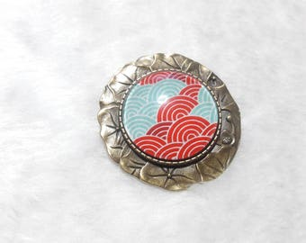 Brooch round Japanese waves cabochon
