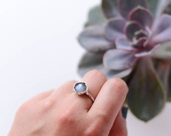 Labradorite ring in size 9,1 US (60mm )