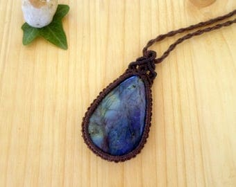 Labradorite macrame pendant, macrame stone, gemstone pendant, macrame jewelry, labradorite necklace, bohemian jewelry, hippie pendant