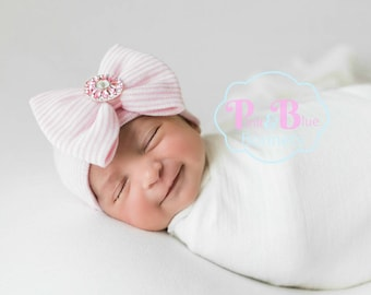 Baby girl hat with bow and rhinestone is ready to ship! Baby girls hospital hat with pink bow.