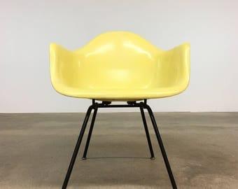 Herman Miller   Zenith Lemon Yellow LAX Armshell   Eames