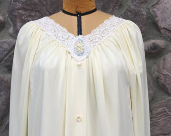 Vintage 70s Shadowline Two Piece Nightgown and Robe Set / Pale Butter Yellow / Nylon / Made in the USA / Women's Size Medium Petite
