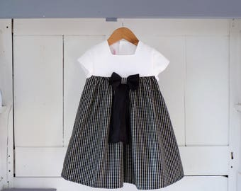 Dress 4 years old white and black/white gingham