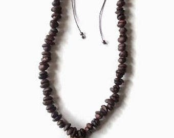 Necklace of coffee beans. Selling to the wholesale.