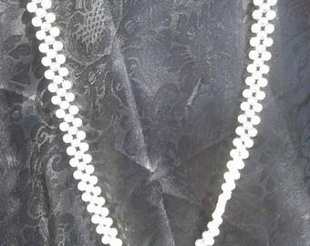 Flow Pearls Lattice