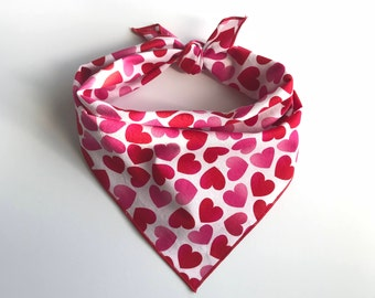 Valentine's Day Dog Bandana - Smoochie // Dog bandana // Pet Bandana // Valentines Dog Bandana // Pink Dog Bandana // Red Dog Bandana