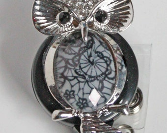 Stately Owl Badge Reel