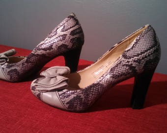 Comfortable High Heel Shoes - Snake Print Naturalizer Pumps - Size 9