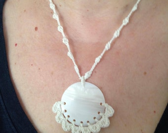 Necklace with crochet cotton lace with a mother of Pearl pendant