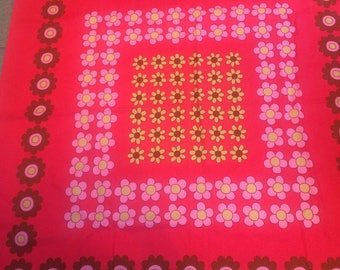 Fuschia pink vintage 1970s floral print square tablecloth / fabric never used 133 x 137cm