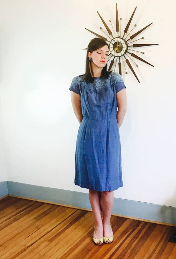 Vintage 50s dress, 50s Wiggle Dress, Cornflower Blue Dress, Crochet Lace Collar, Pencil dress, 60s MAD MEN, 50s Cocktail dress, Sz L XL 10