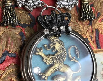 lion tamer - necklace watch case diorma steampunk animal crown tassel black velvet vintage style statement jewelry by the french circus