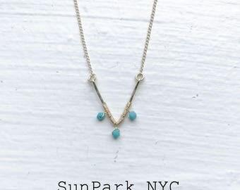 Gold Hammered V Necklace/Gemstone Necklace/Turquoise Necklace/Crystal NecklaceGold Necklace/Bridesmaid Necklace/Gold Necklace