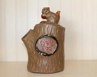 Vintage McCoy Cookie Log Jar Ceramic Squirrel on Lid