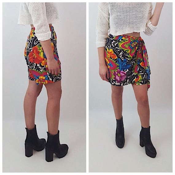 1990s Tropical Print Colorful Skort - Womens Small Silk Spring Summer Shorts Skirt - Vintage Psychedelic Floral Rainbow Tie Front Skirt
