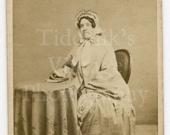 CDV Carte de Visite Photo Victorian Seated Old Lady Bonnet, Big Bow Identified Portrait - The London School of Photography - Antique Photo
