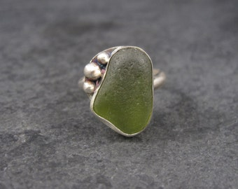 Vintage Sterling Green Beach Glass Ring Size 8