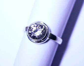European Cubic Zirconia in a Sterling Silver (925) Ring