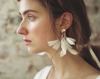 NEW White Statement Feather Earrings. Gold Cloud Stud with Natural Feathers. Long White Dangle Feather Earring. Holiday Fashion HO17
