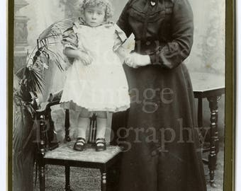Cabinet Card Photo - Victorian Smart Woman Mother with Young Girl Identified Curly Hair - King & Co. of Southsea England - Antique 1904