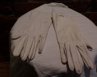 Vintage Driving Gloves, Leather driving gloves, Deerskin leather gloves, 1940's leather gloves, leather gloves size 7, Morethebuckles