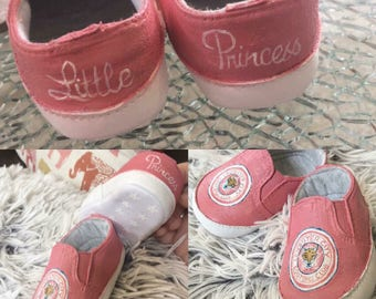 Custom, any theme hand painted baby shoes, the perfect baby gift.