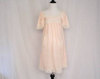 ON SALE Vintage 1960's 'Pet Shop Gal' Baby Pink Satiny Babydoll Nightie With White Lace Trim Size S