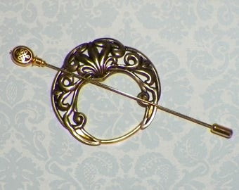 Shawl Pin Penannular Celtic  Mimimalistic Brooch Vintage Hammered Minimalist Gold Cloak Style Scarf Pin Outlander Stick Pin