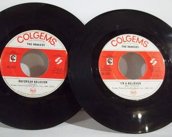 """Pair of Vintage Monkees 7"""" 45s - Daydream Believer and I'm A believer - FREE SHIPPING!!!"""