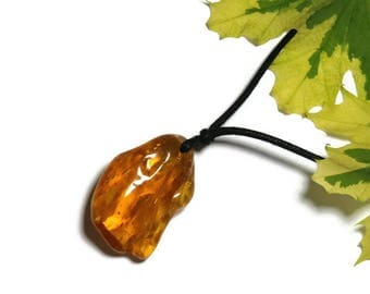 P52 amber pendant necklace natural honey color