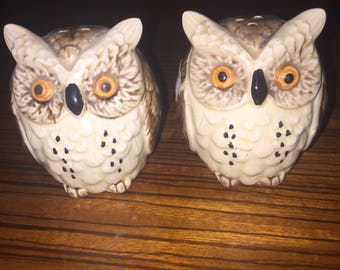 Vintage ceramic owl salt and pepper shakers, 60's era Japan