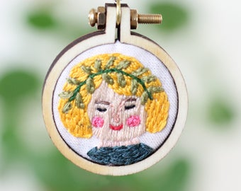 Embroiderd Necklace | Portrait of a Girl