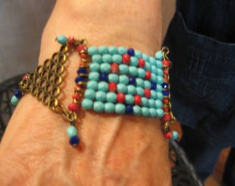 Cuff in colors of turquoise, red and Navy, ethnic