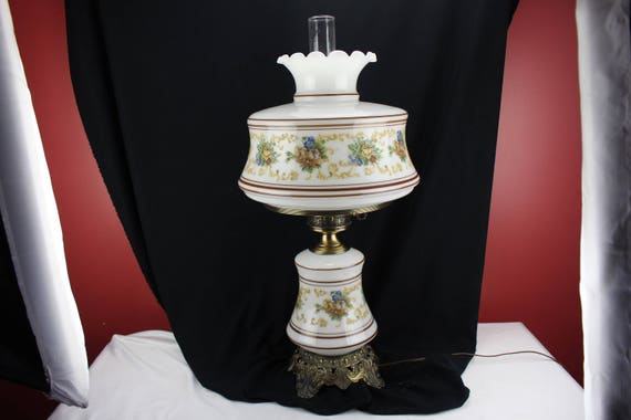 Vintage White Floral Decor Gone With the Wind Lamp Table Lamp Lighting Vintage