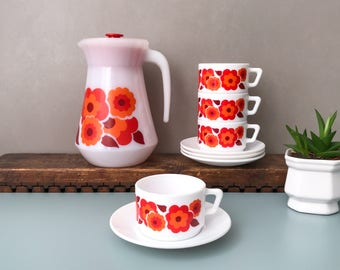 Arcopal Lotus Coffee Set, Cups & Saucers, Coffee pot / Pitcher, Retro Orange / Red Flowers, 70's French Pyrex Kitchenware