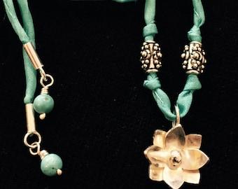 Charming Flower Necklace/Bracelet