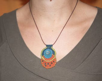 Turquoise and orange/REF felt Medallion necklace COLM5