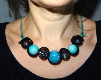 Turquoise and Black mothers necklace simple and chic
