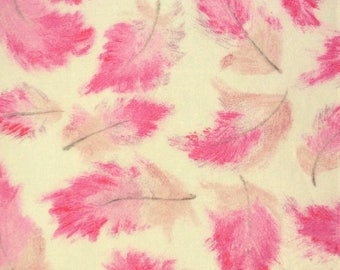"""Quenby C Liberty Fabric tana lawn scrap feathers grey pink white 10"""" x 15"""" square (25,4 cm x 38 cm) The Weavers Mill"""