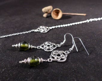 Bracelet and earrings set Chinese Olive. Bracelet silver and green beads. Set bracelet and earrings