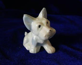 1930's Tiny Scottish Terrier Ceramic Figurine Valentine Gift!