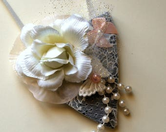 Neck, off white, light pink bib necklace for